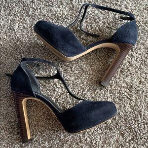 Charles by Charles David blue suede heels size 7